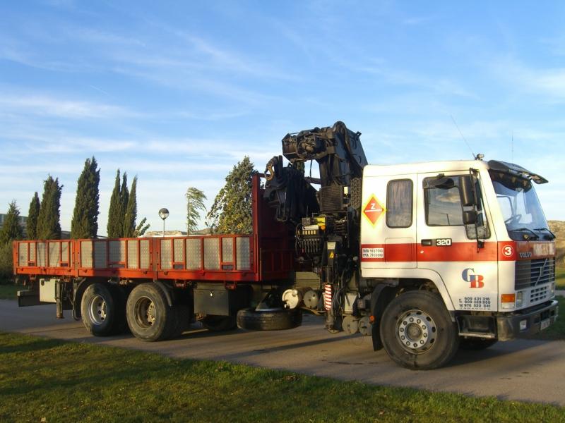 Alquiler de grúas en Zaragoza · Volvo FL 10