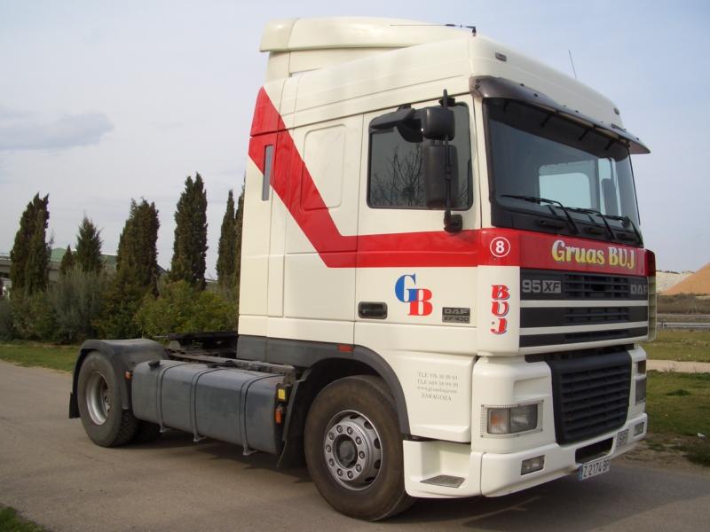 Alquiler de grúas en Zaragoza cabeza tractora · Daf 95-XF